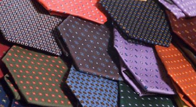 negozio di sconto scarpe casual vari colori Marinella, la cravatta che è diventata un mito. Anche in Giappone