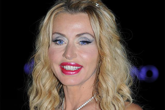 Valeria Marini aggredita a Bari da uno stalker: paura per la star
