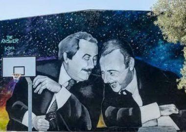 Murale contro la mafia a Pula, in Sardegna