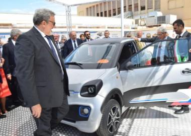 Auto elettrica presentata in Fiera