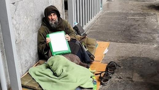 Biagio Conte dorme in strada