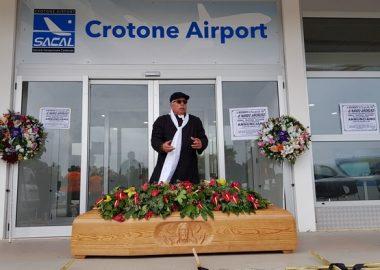Funerale aeroporto Crotone