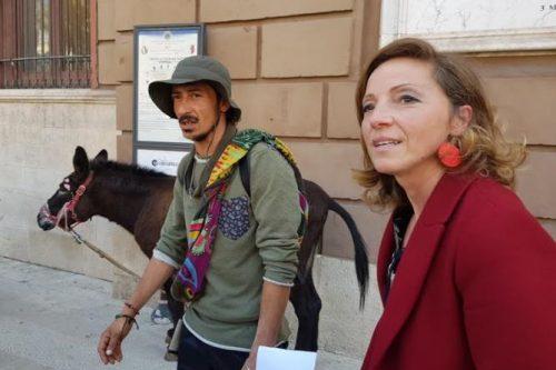 A Bari in viaggio con l'asina