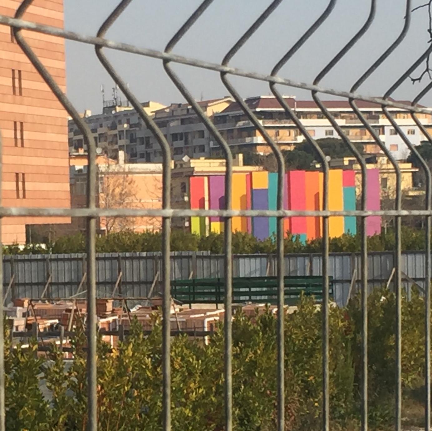 Didascalia foto: In fondo, il Giardino Incantato di Franco Summa